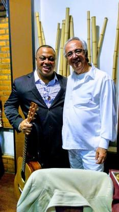 Joanilson Rodrigues com Alfredo Boulos júnior Show Para Editora FTD no South Place em São Paulo_2
