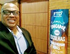 Joanilson Rodrigues faz shows para Editora FTD em São Paulo